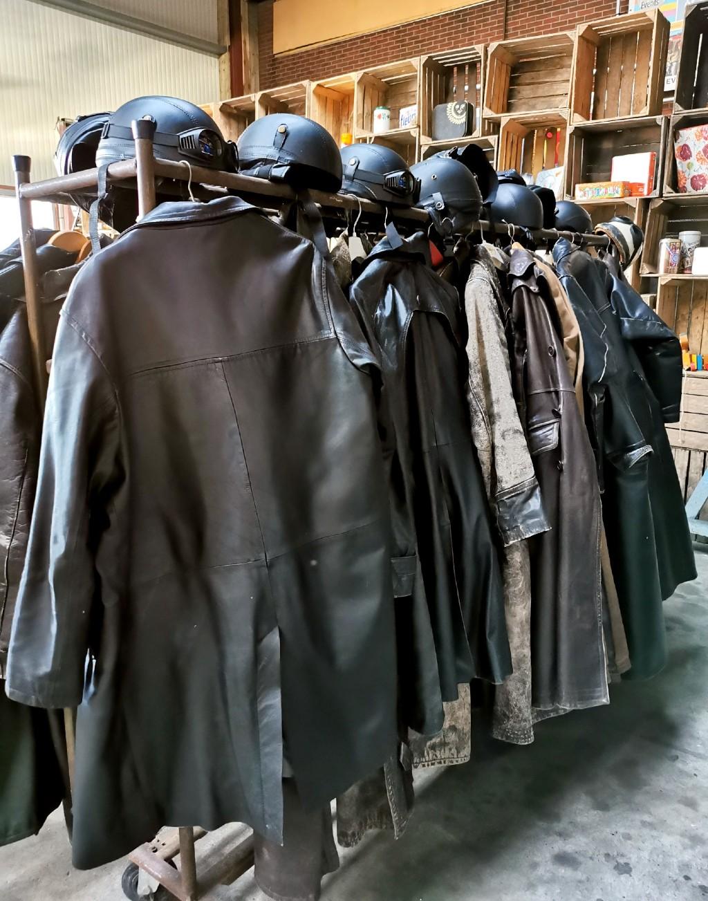 solex, motorclub, leren jassen, verkleedpartijtje